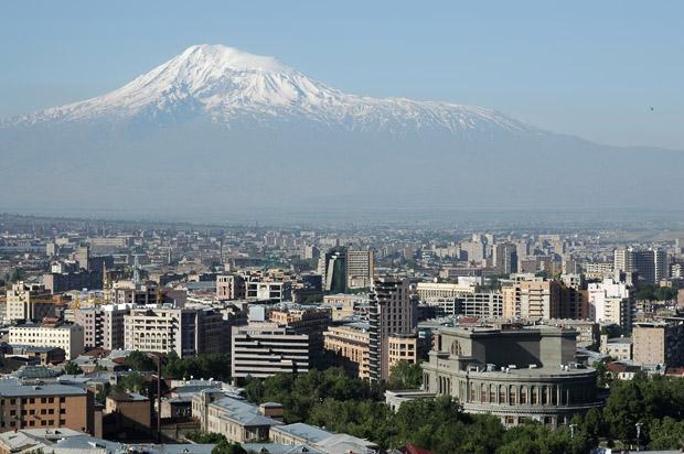 Jerevan - Armenien - Med. Ararat i baggrunden