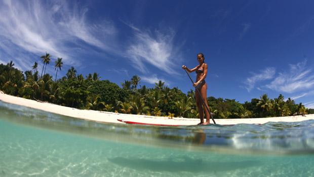 Paddle boarding på Fiji